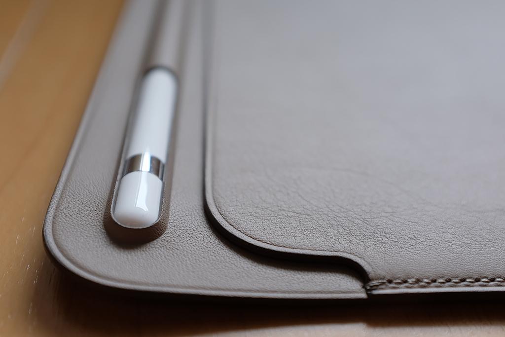 【レビュー】Apple Pencilが入る純正iPad Proケース「10.5インチiPad Pro用レザースリーブ 」