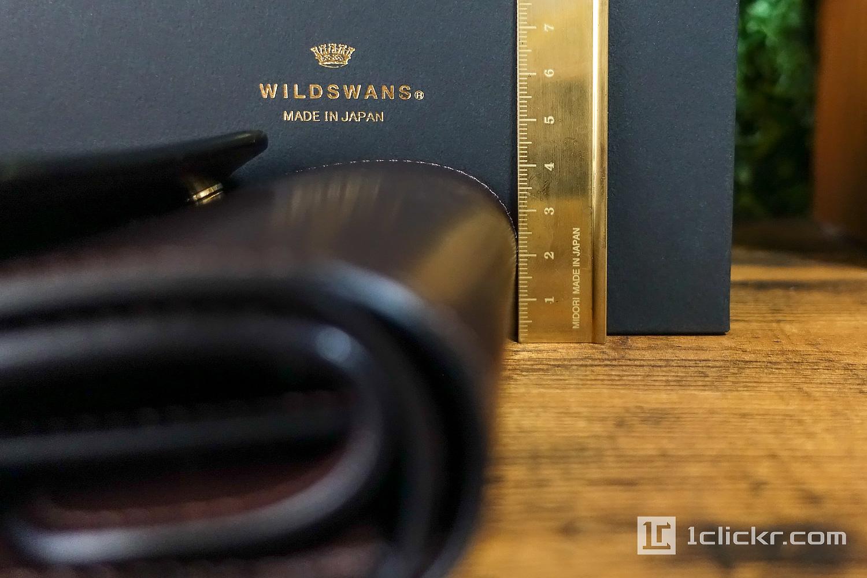 WILDSWANSの財布の厚み