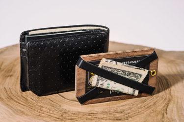 Xavier Wallet|キックスターターで話題のゴム x 天然木のワイルド系ミニマリスト財布を試す